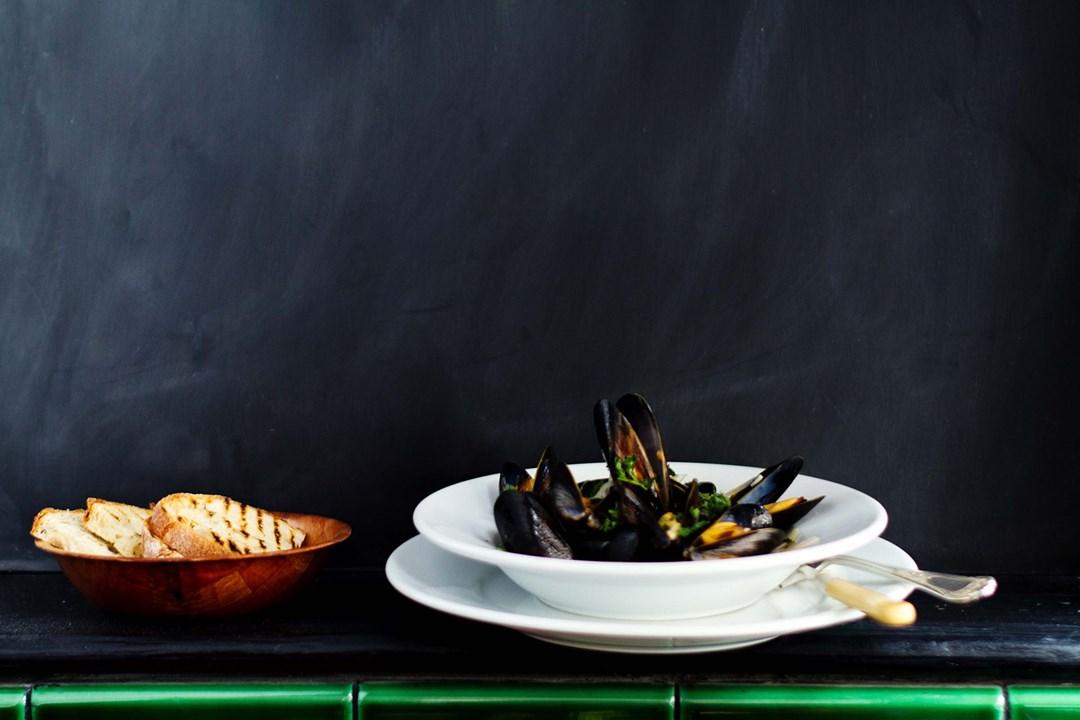 mussels at Hantverk and Found restaurant margate kent conde nast traveller 17aug17 Annie Nichols Hot Meals Now 1080x720