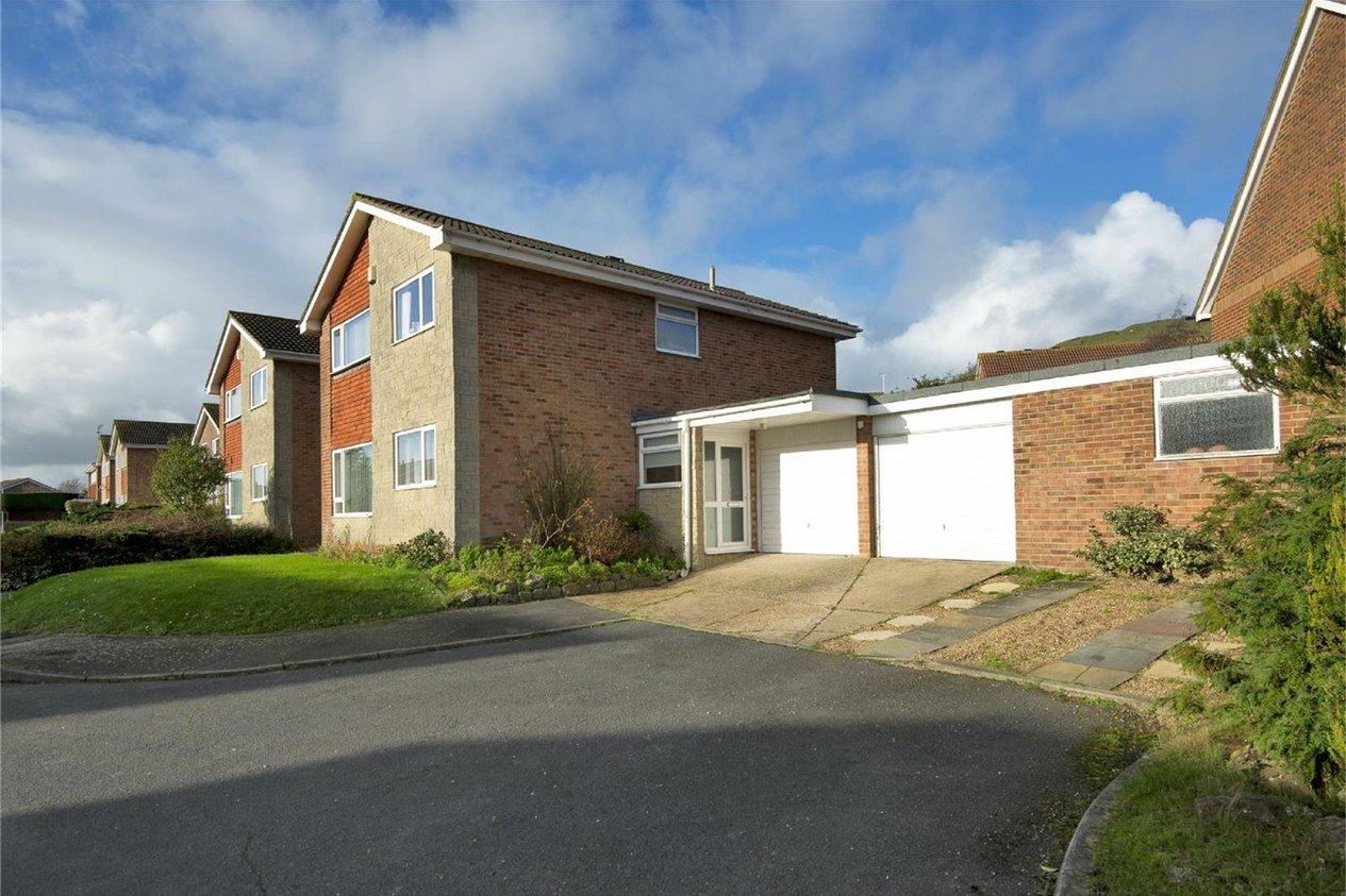 Properties Sold Subject To Contract in Ainsdale Close