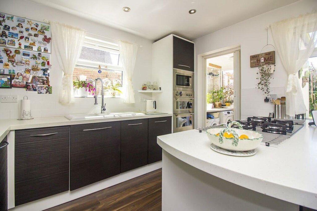 Properties For Sale in Alexandra Road Capel-Le-Ferne