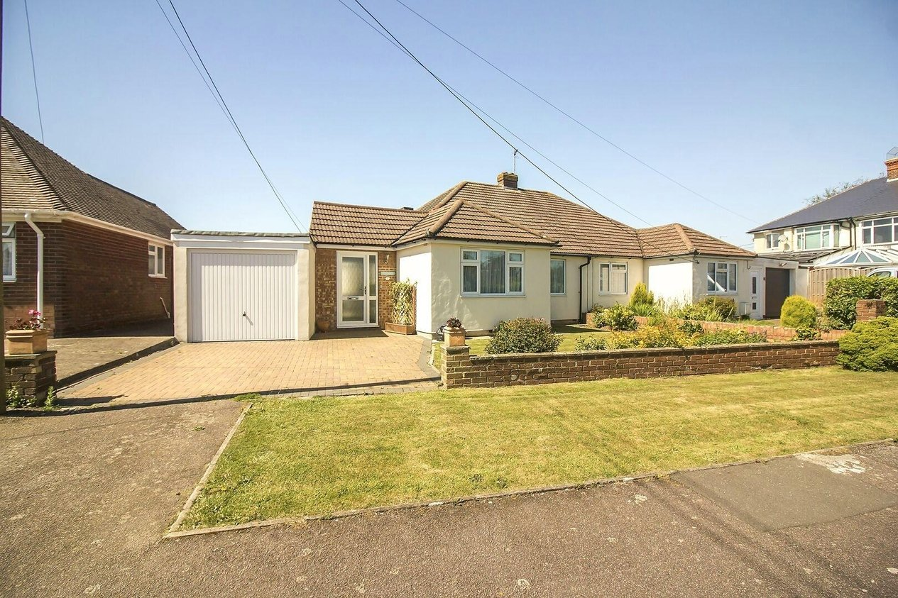 Properties For Sale in Alexandra Road Capel-Le-Ferne