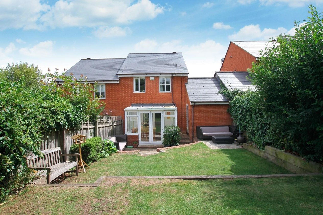 Properties For Sale in Almond Court Chartham