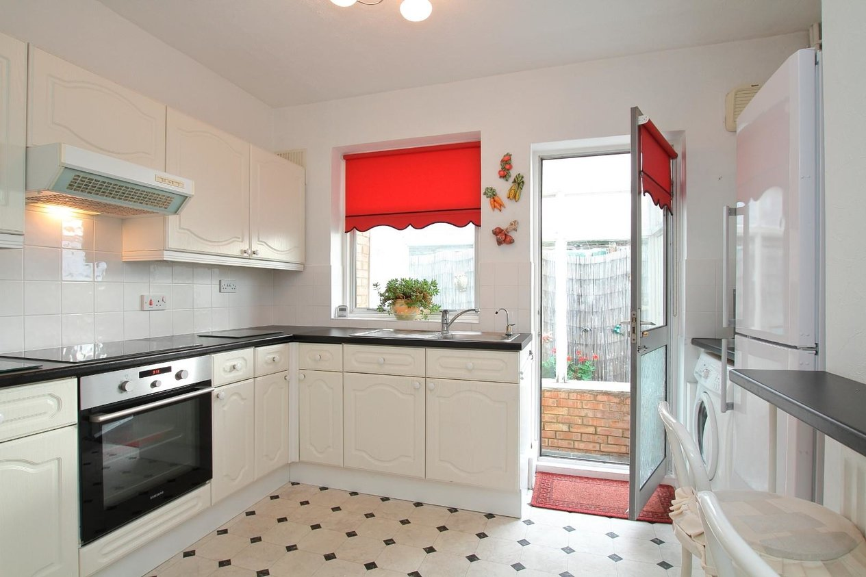 Properties Sold Subject To Contract in Alvis Avenue
