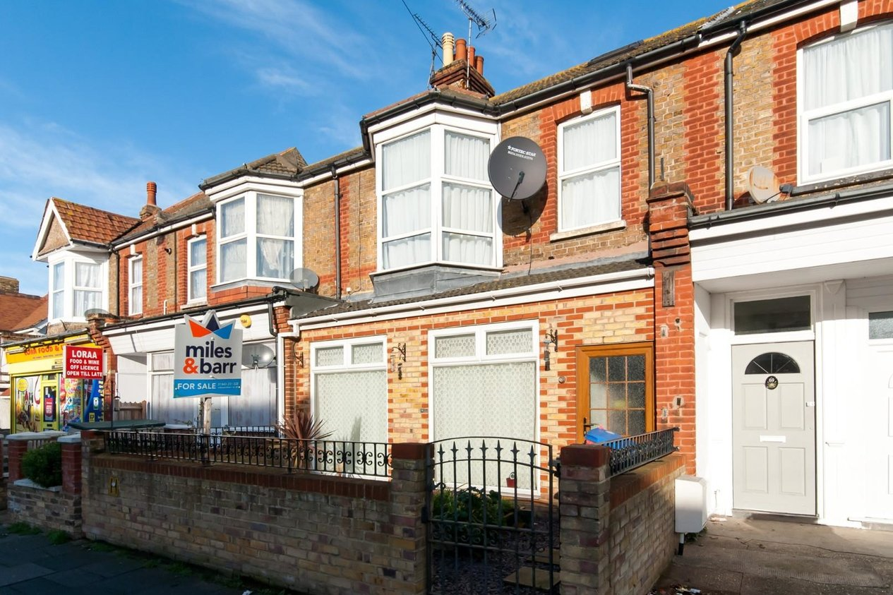 Properties Sold Subject To Contract in Approach Road