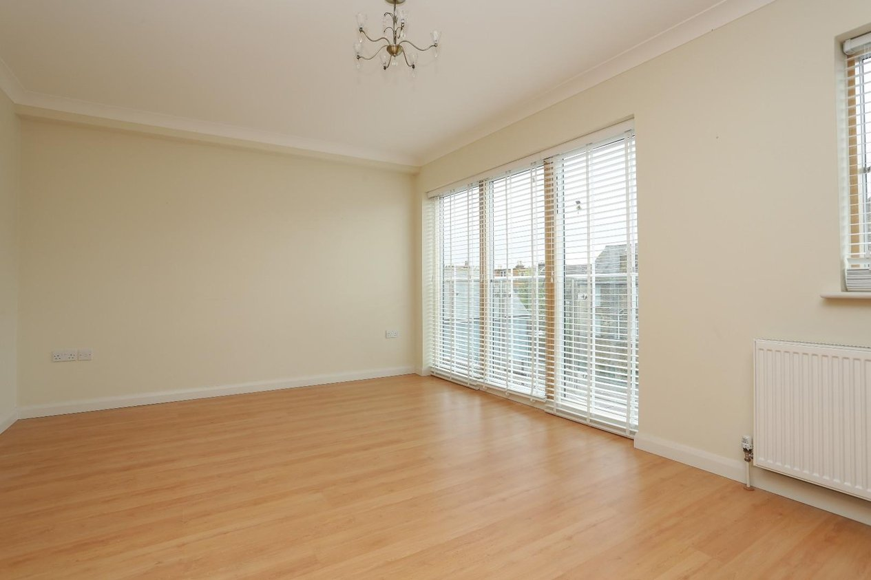 Properties Sold Subject To Contract in Apsley Court