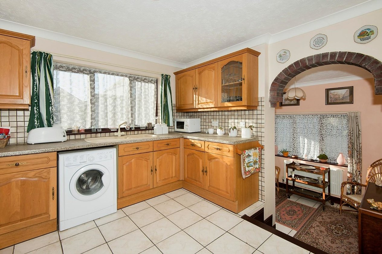 Properties For Sale in Avenue Gardens Cliftonville
