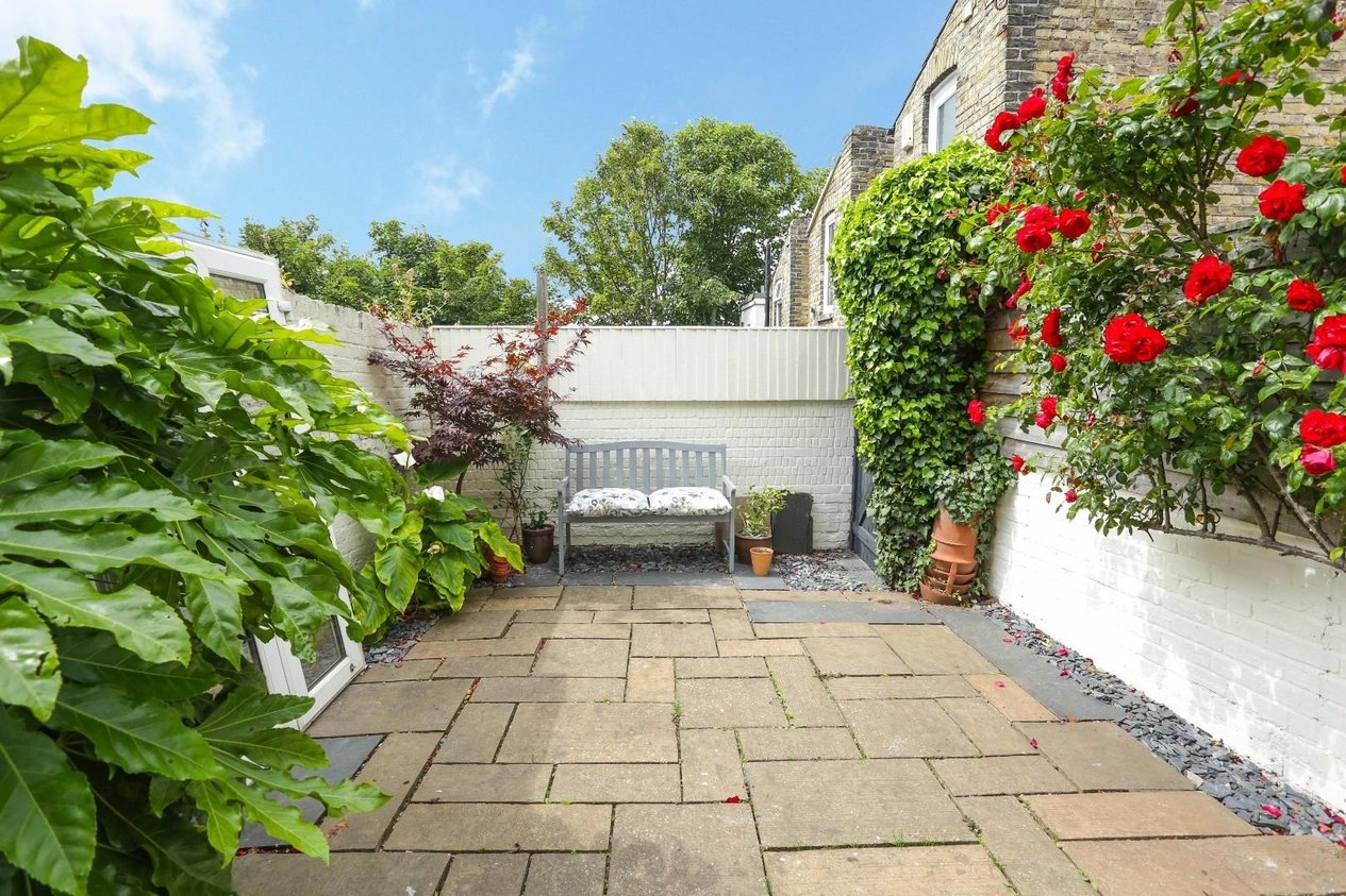 Properties For Sale in Avenue Road