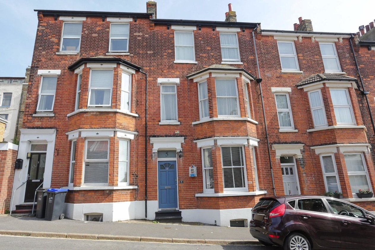 Properties Sold Subject To Contract in Avenue Road