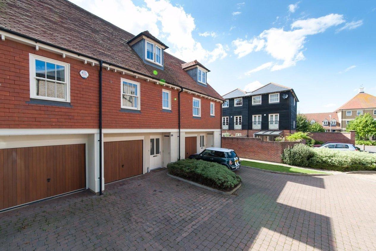 Properties For Sale in Belvedere Road