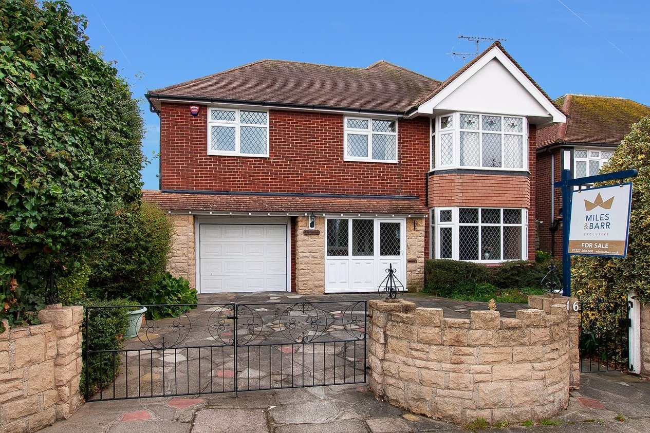 Properties For Sale in Bowes Avenue