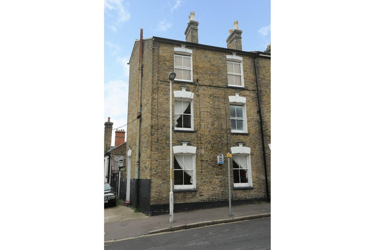 Properties For Sale in Broad Street