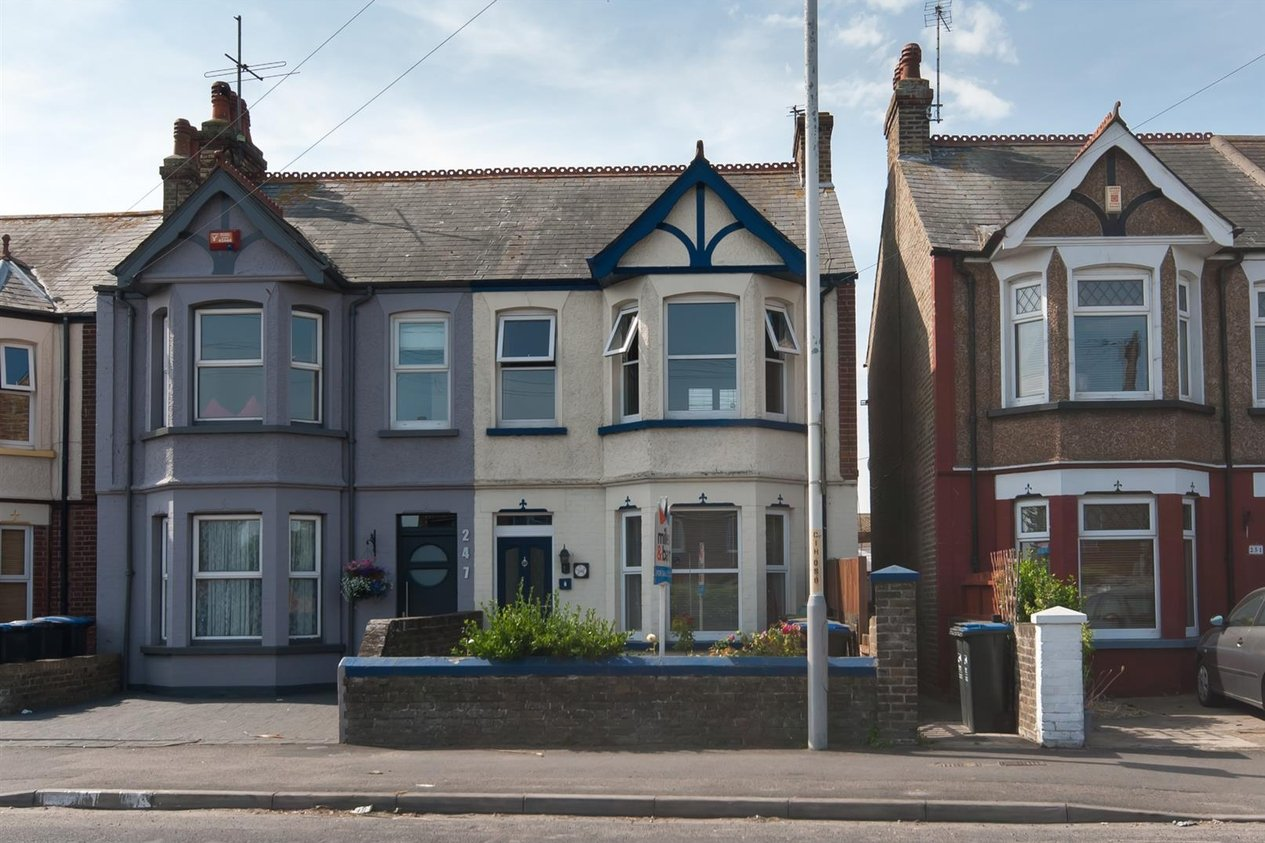 Properties Sold Subject To Contract in Canterbury Road