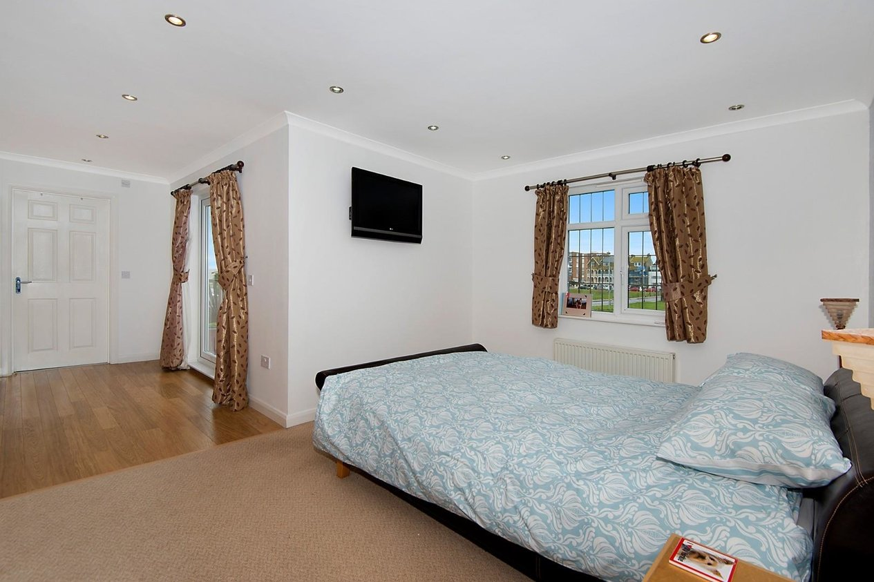 Properties For Sale in Canute Road