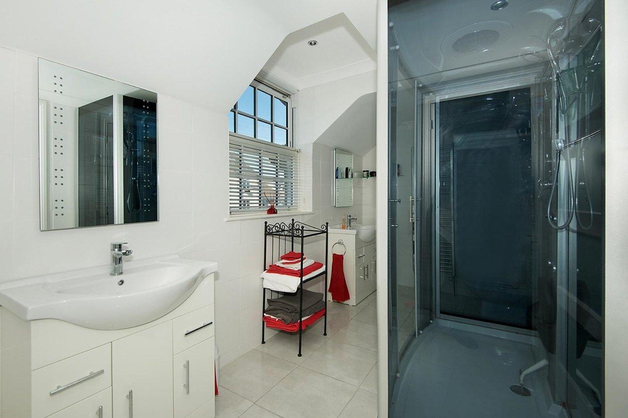 Properties For Sale in Capel Street Capel-Le-Ferne