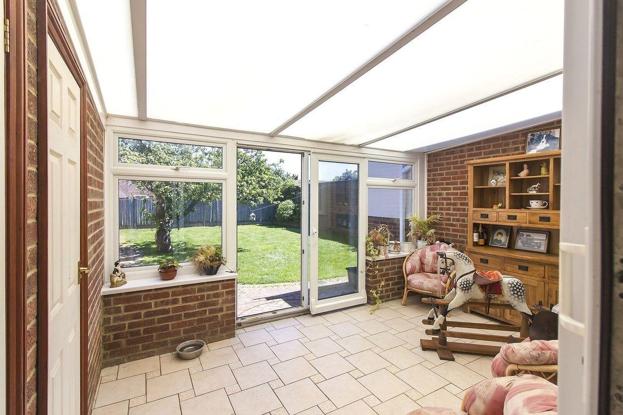 Properties For Sale in Avondale Road Capel-le-Ferne