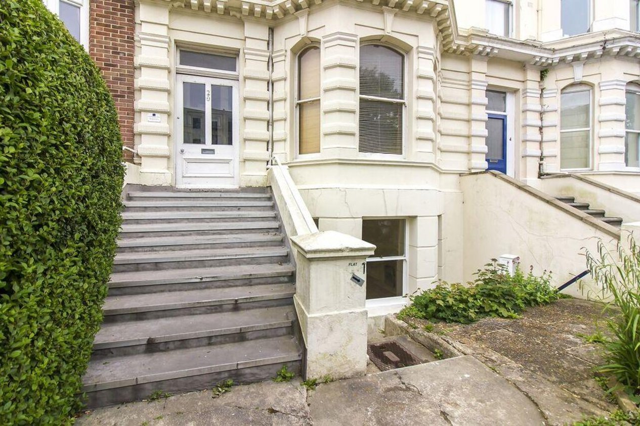 Properties Sold Subject To Contract in Castle Hill Avenue