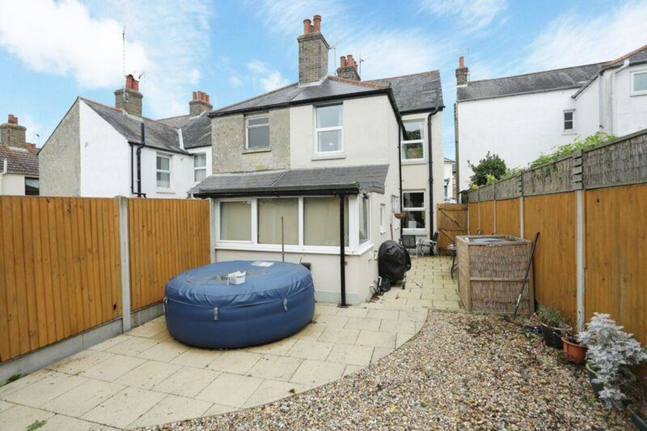 Properties For Sale in Chapel Hill Eythorne