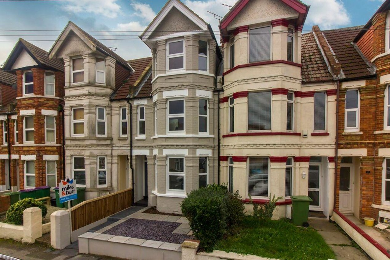 Properties Sold Subject To Contract in Chart Road
