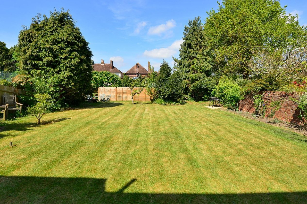 Properties Sold Subject To Contract in Cherry Garden Avenue