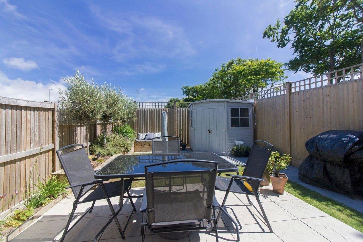 Properties Sold Subject To Contract in Cherry Garden Avenue