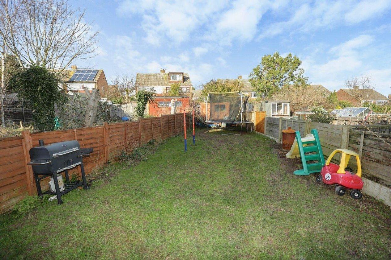 Properties For Sale in Cherry Waye Eythorne