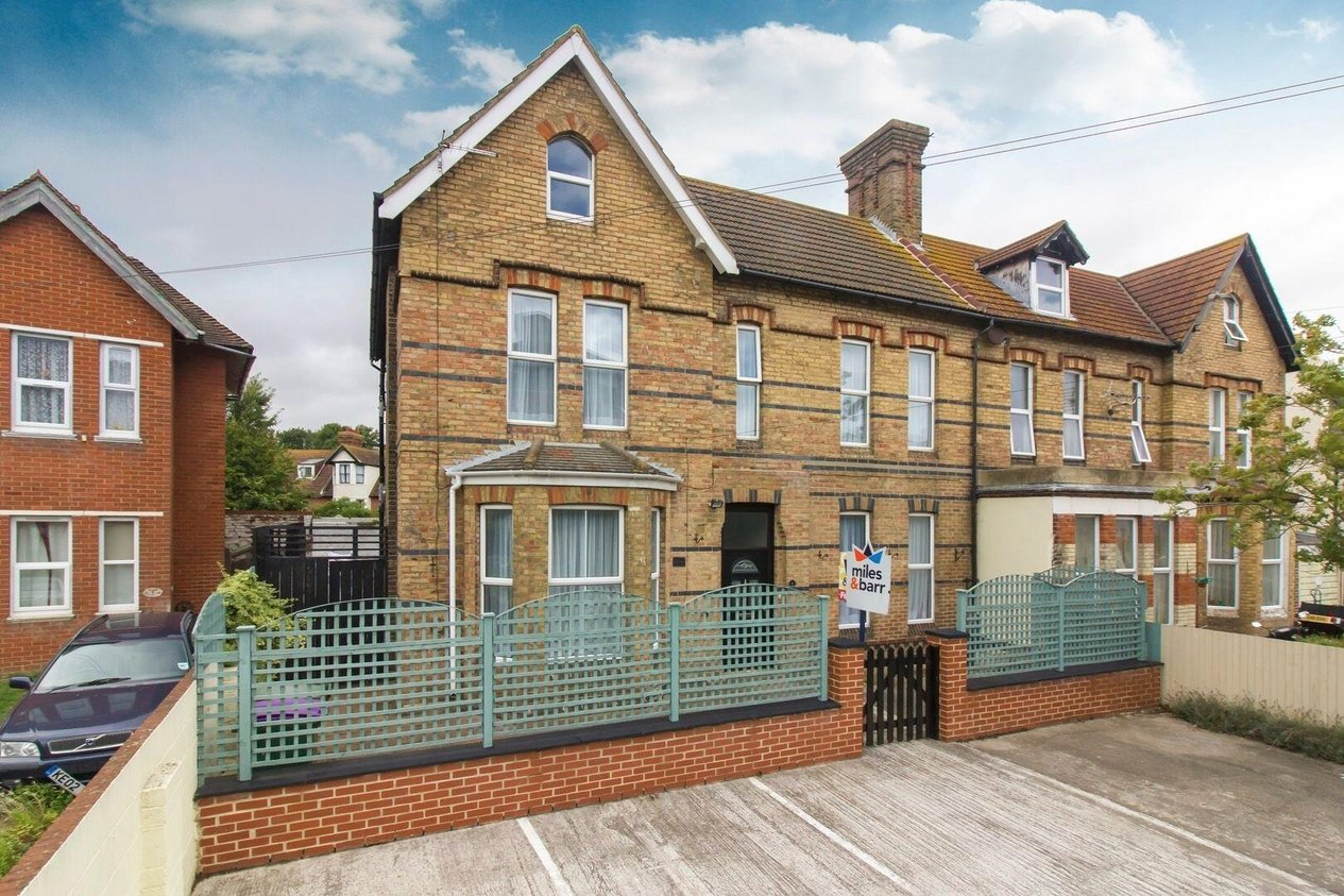 Properties Sold Subject To Contract in Claremont Road