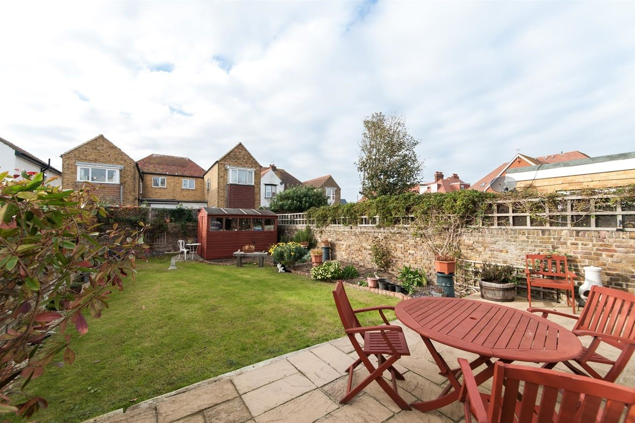 Properties For Sale in Cliffe Avenue