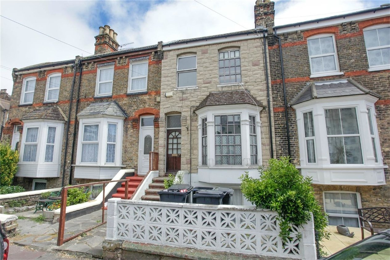 Properties Sold Subject To Contract in Clifton Gardens