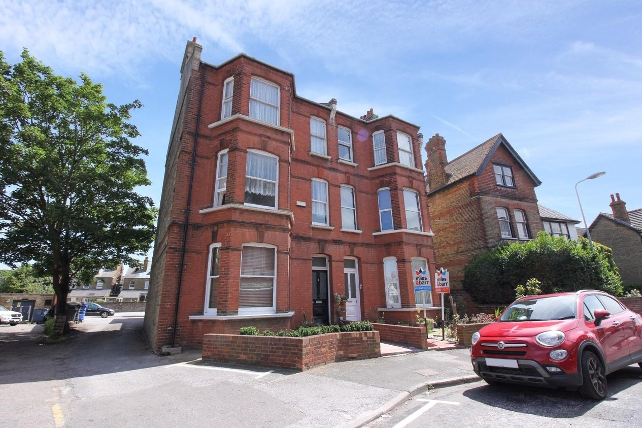Properties Sold Subject To Contract in Cliftonville Avenue