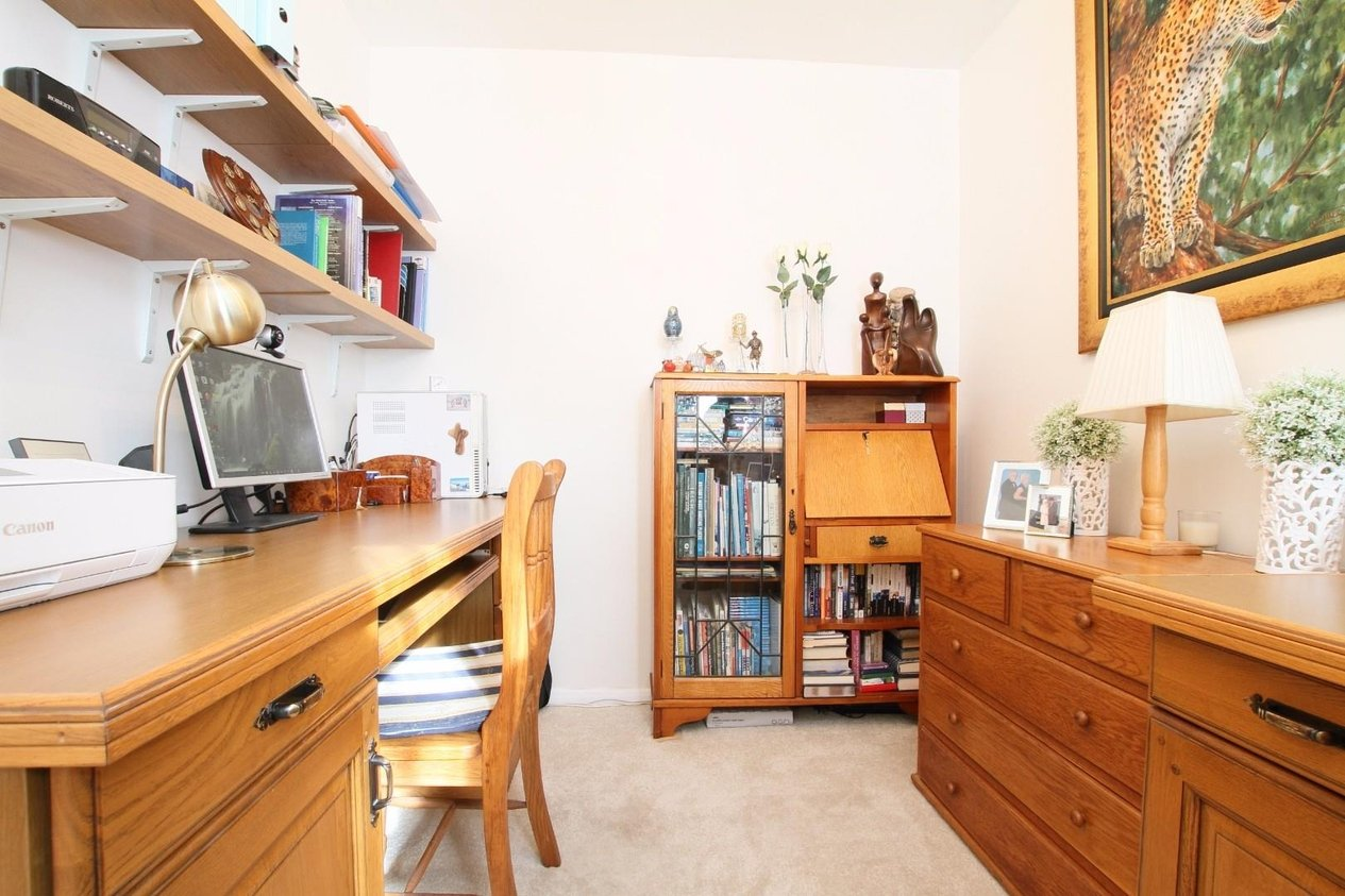 Properties For Sale in Cobham Close