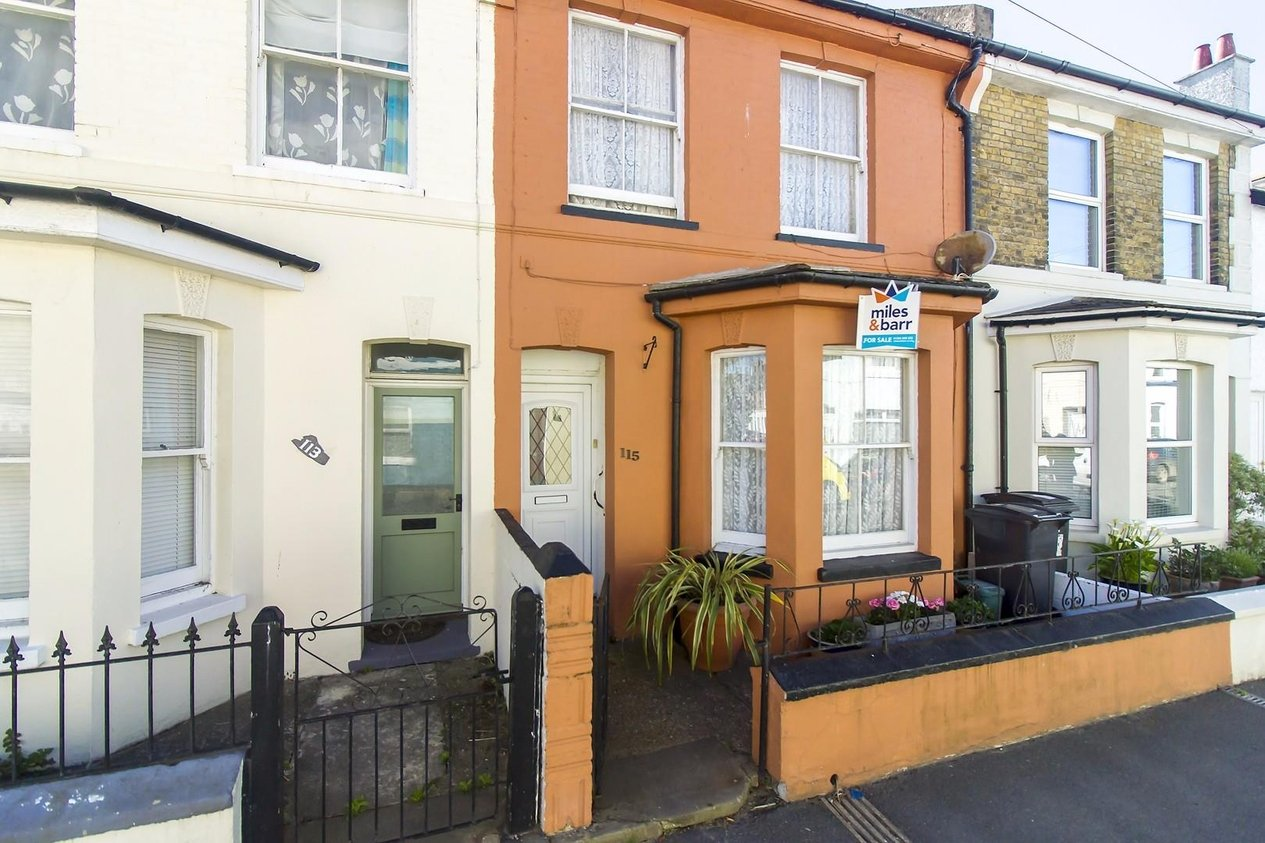 Properties Sold Subject To Contract in College Road