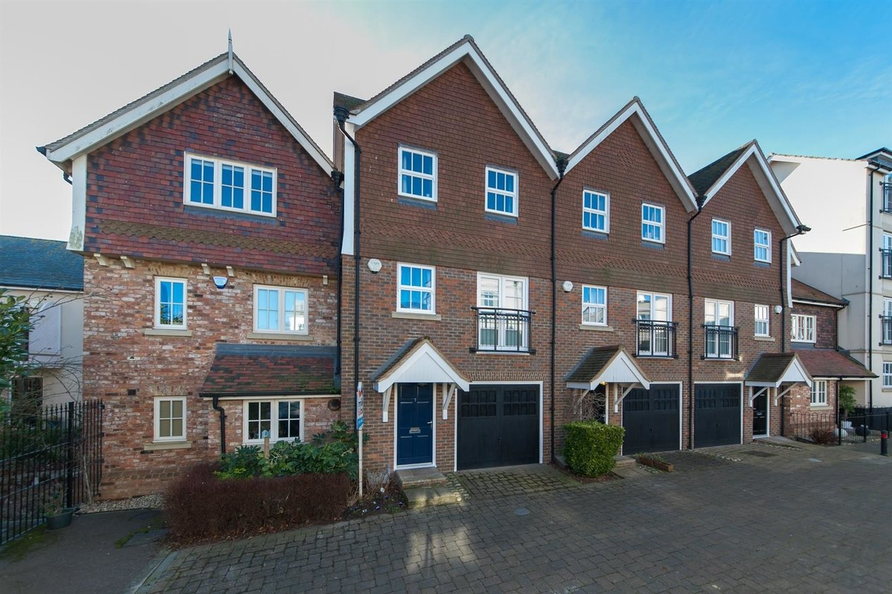 Properties For Sale in College Square