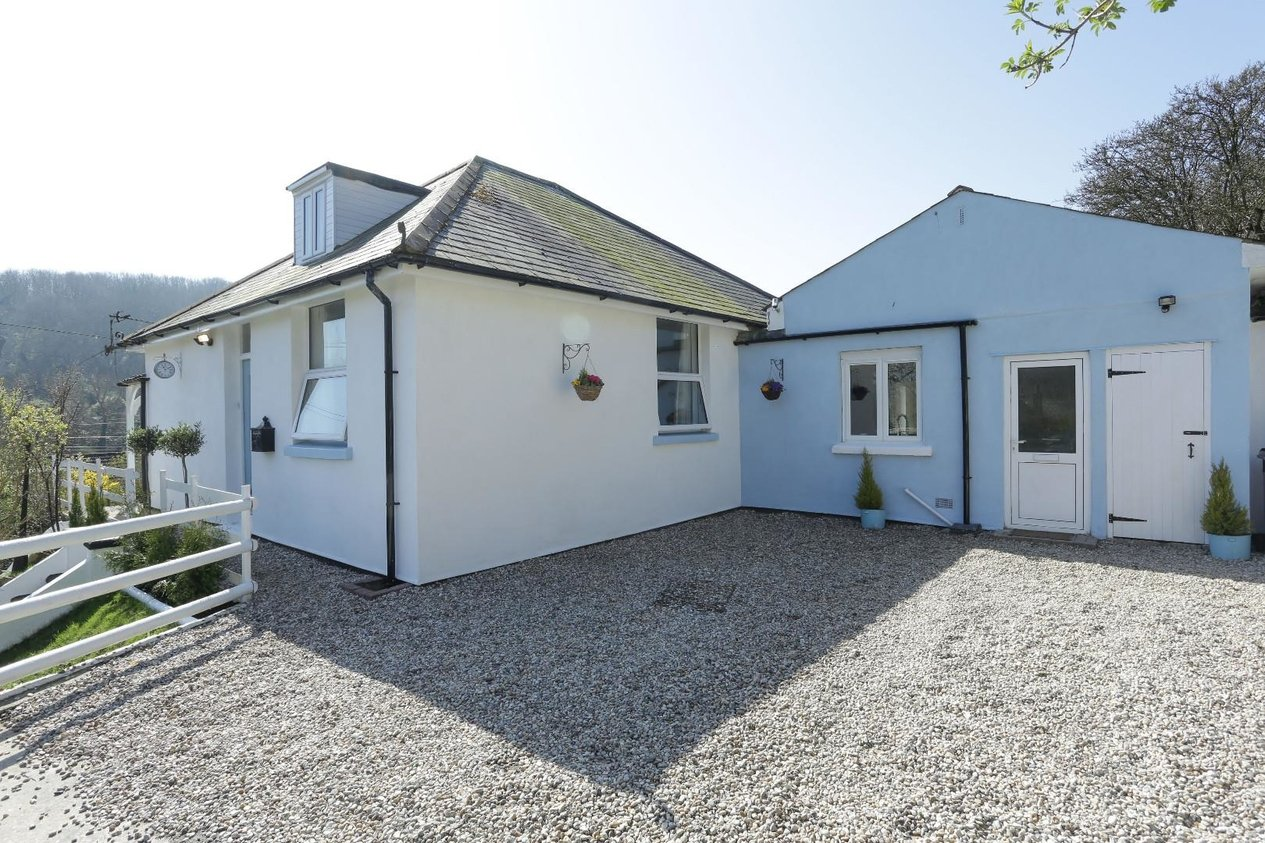 Properties Sold Subject To Contract in Cowper Road