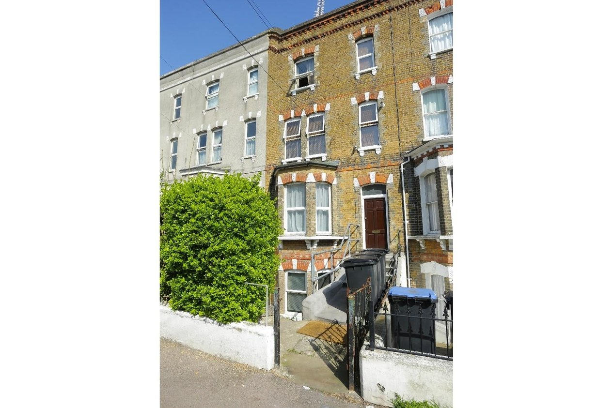 Properties For Sale in Crescent Road
