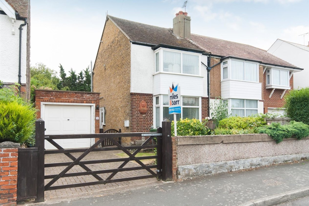 Properties Sold Subject To Contract in Cross Road