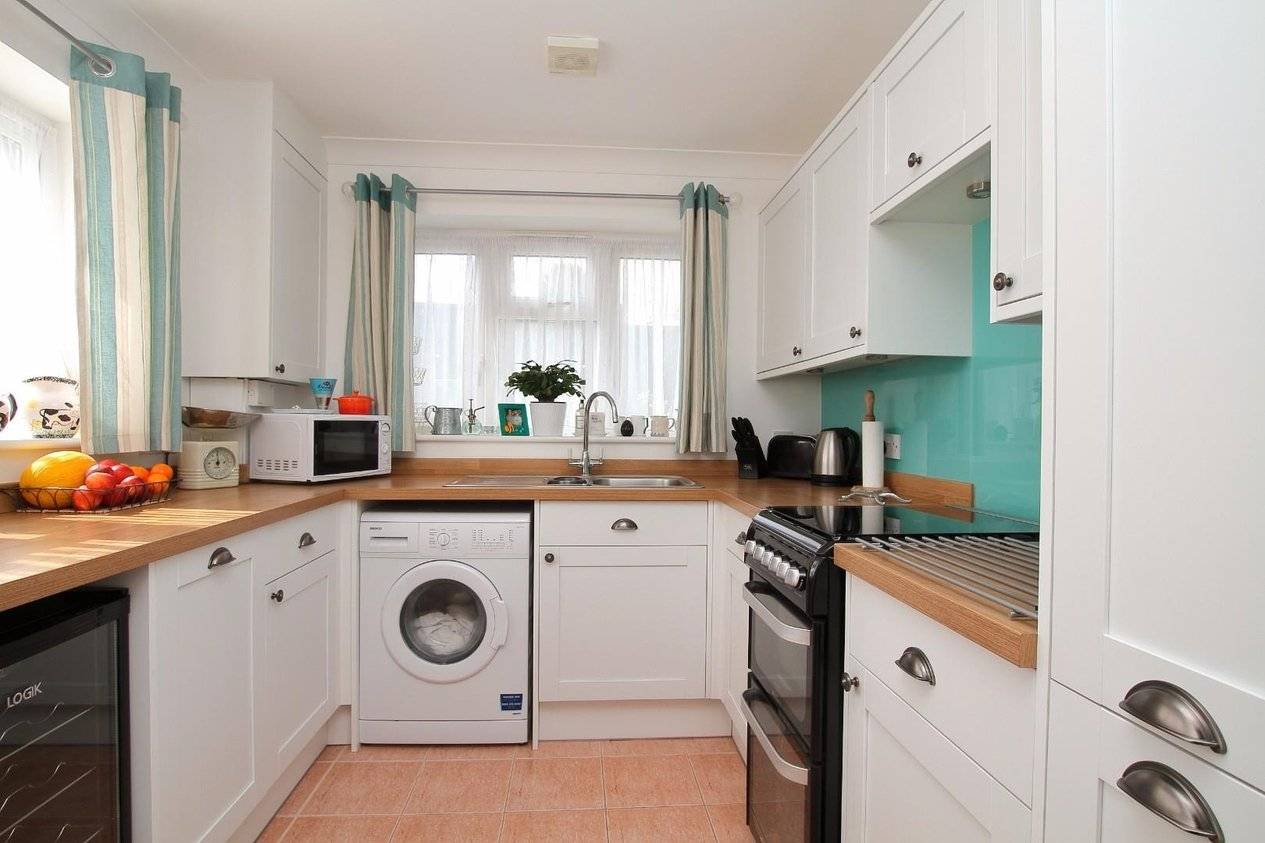 Properties Sold Subject To Contract in Deane Close
