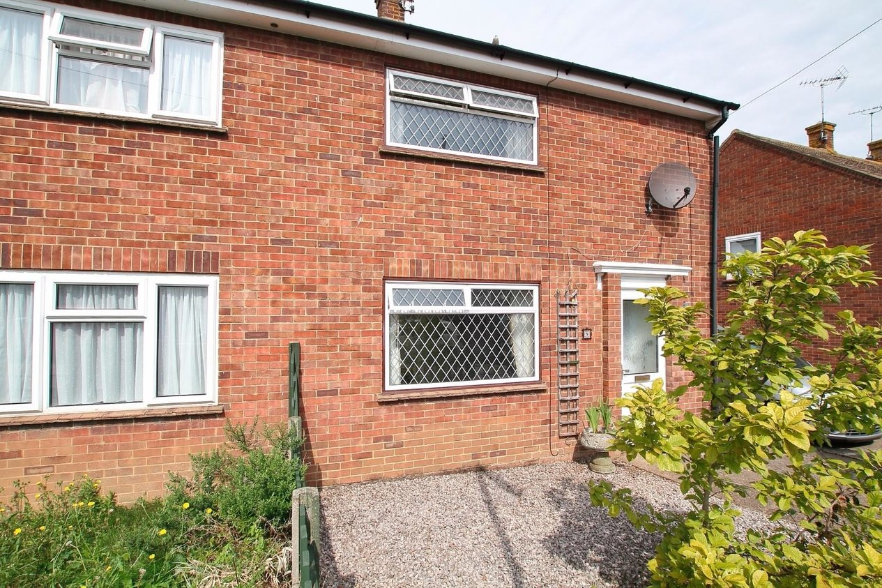Properties For Sale in Deane Close