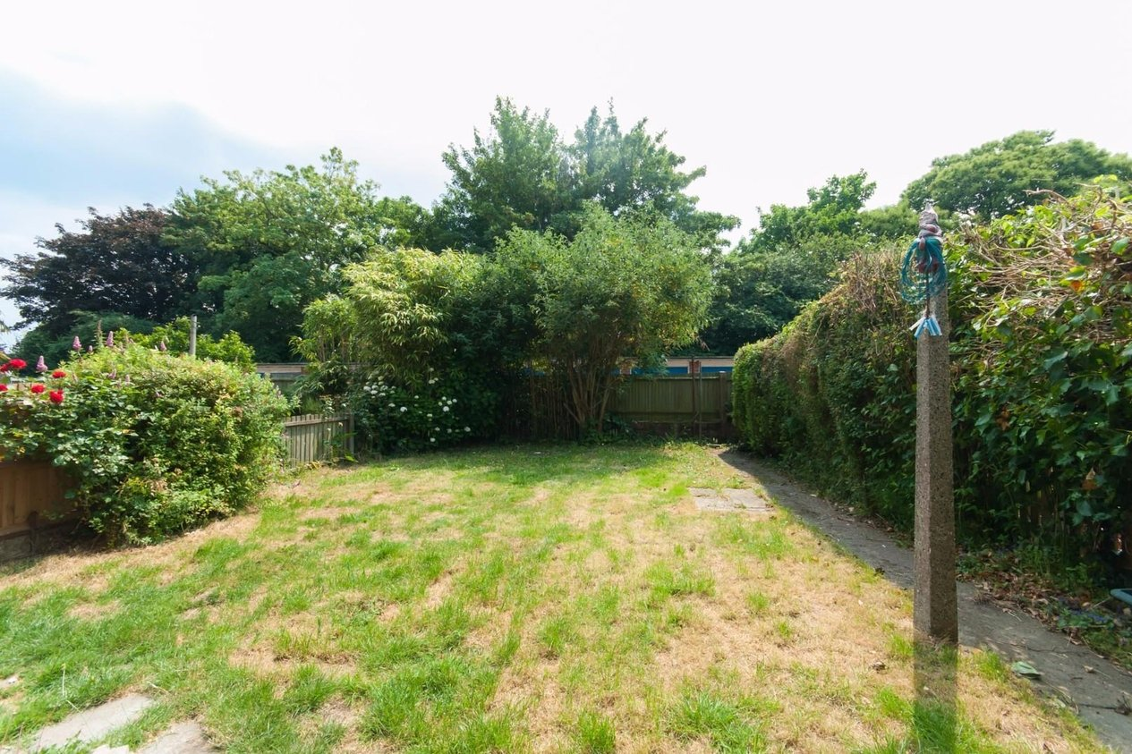 Properties Sold Subject To Contract in Diana Gardens