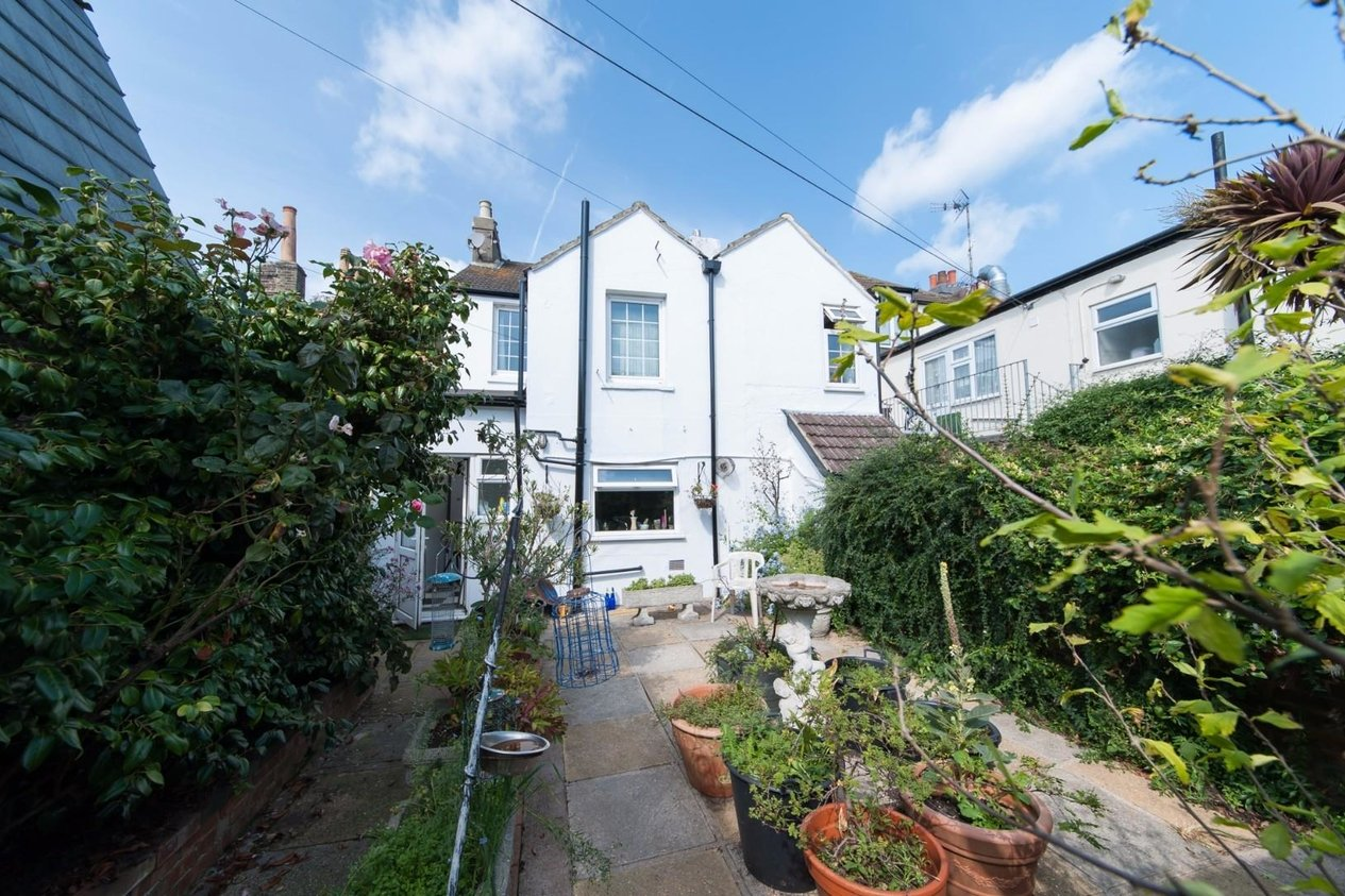 Properties Sold Subject To Contract in Dover Road Walmer
