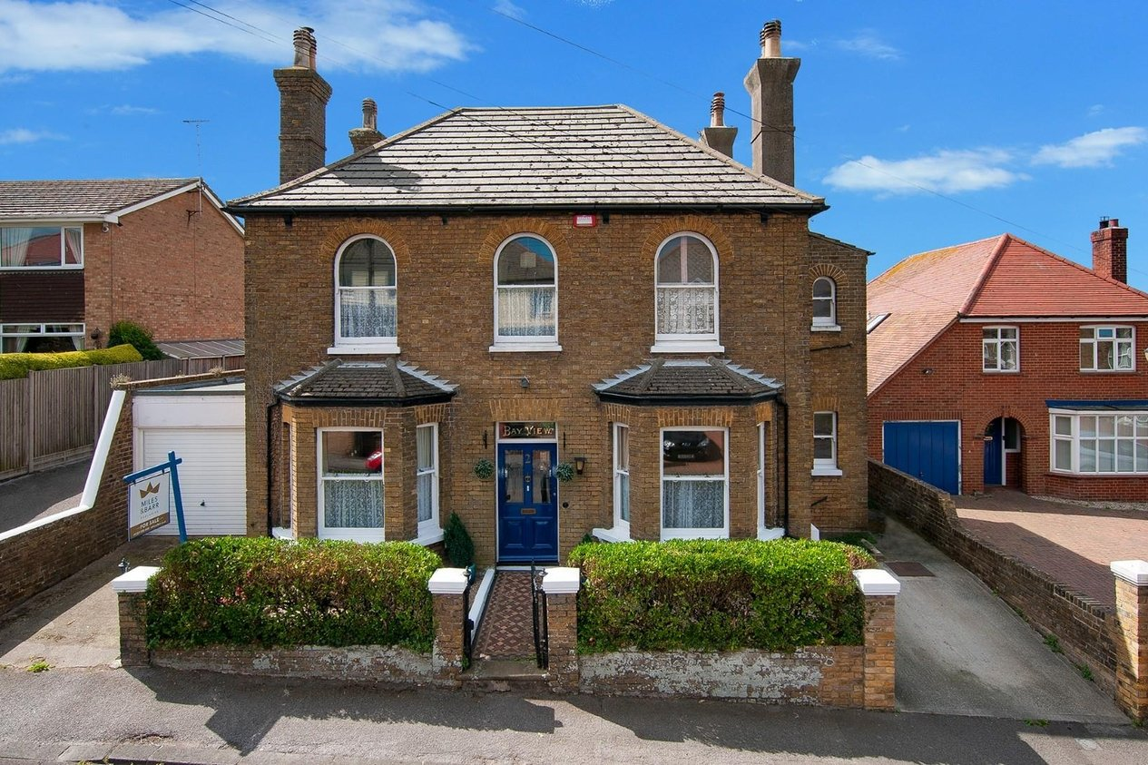 Properties For Sale in Downs Road