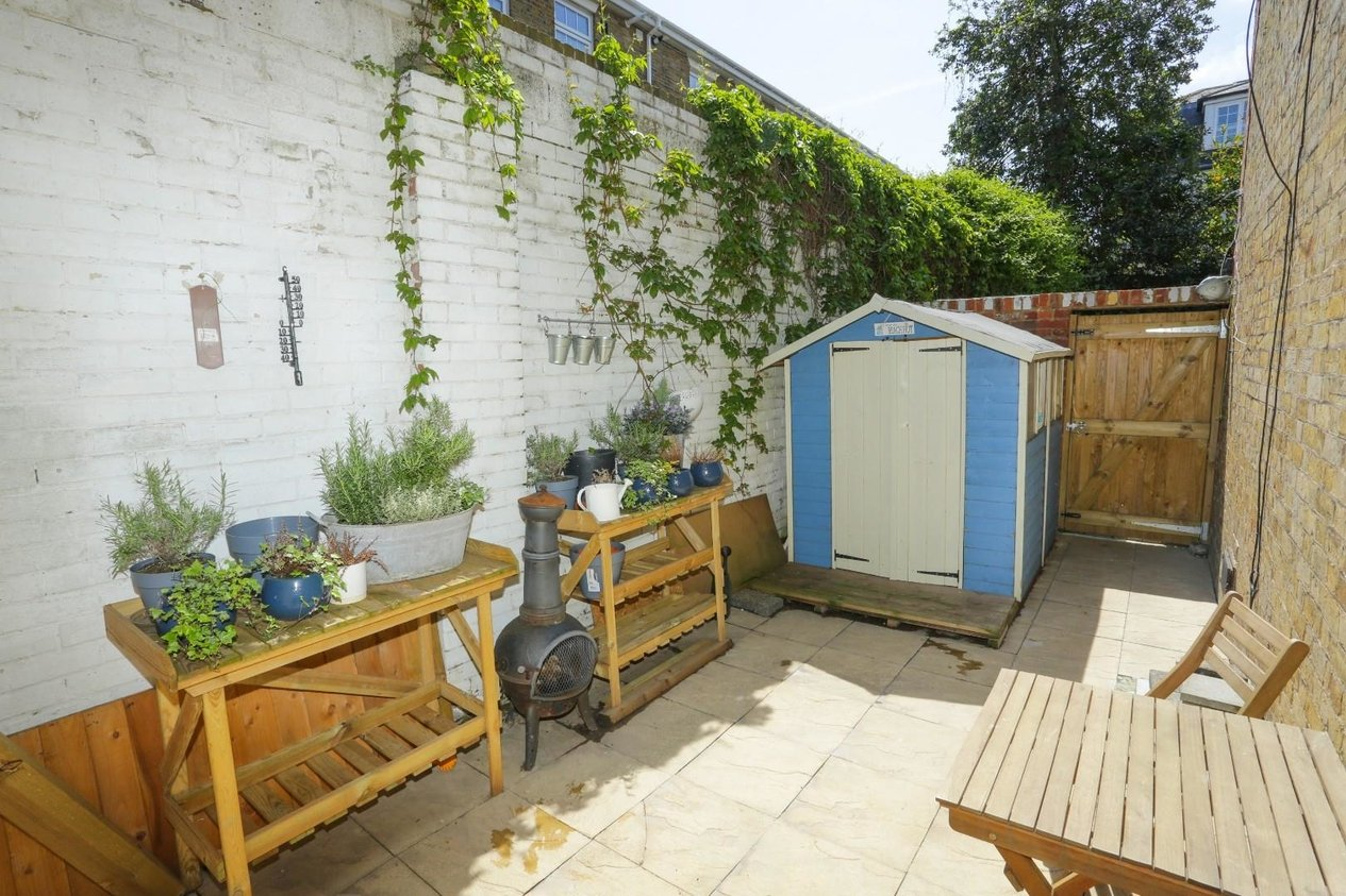Properties For Sale in Dundonald Road