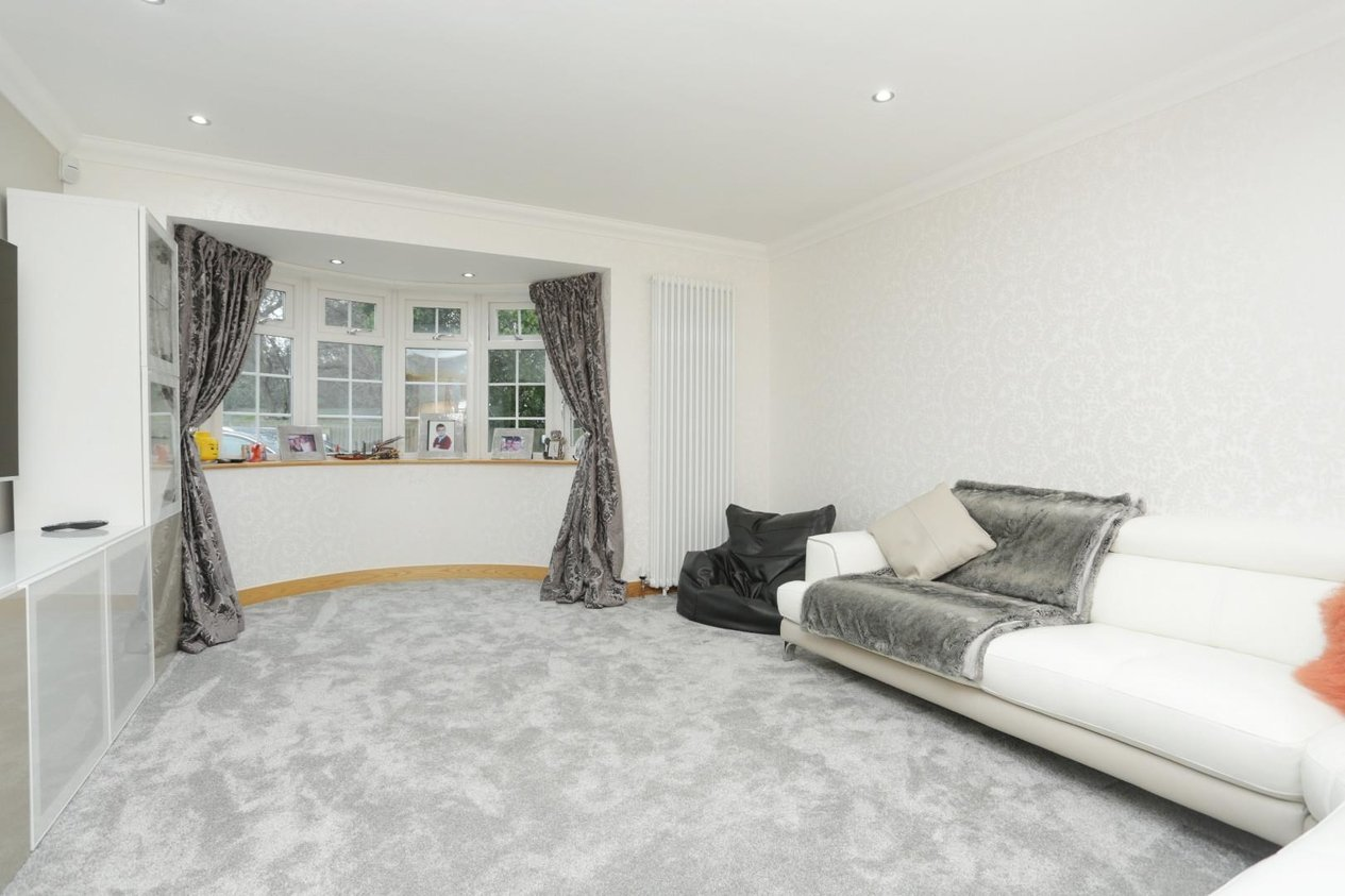 Properties For Sale in Earlsmead Crescent Cliffsend