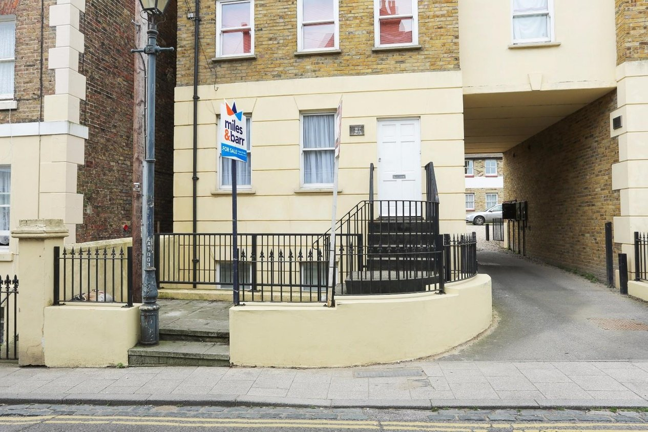 Properties For Sale in Effingham Street
