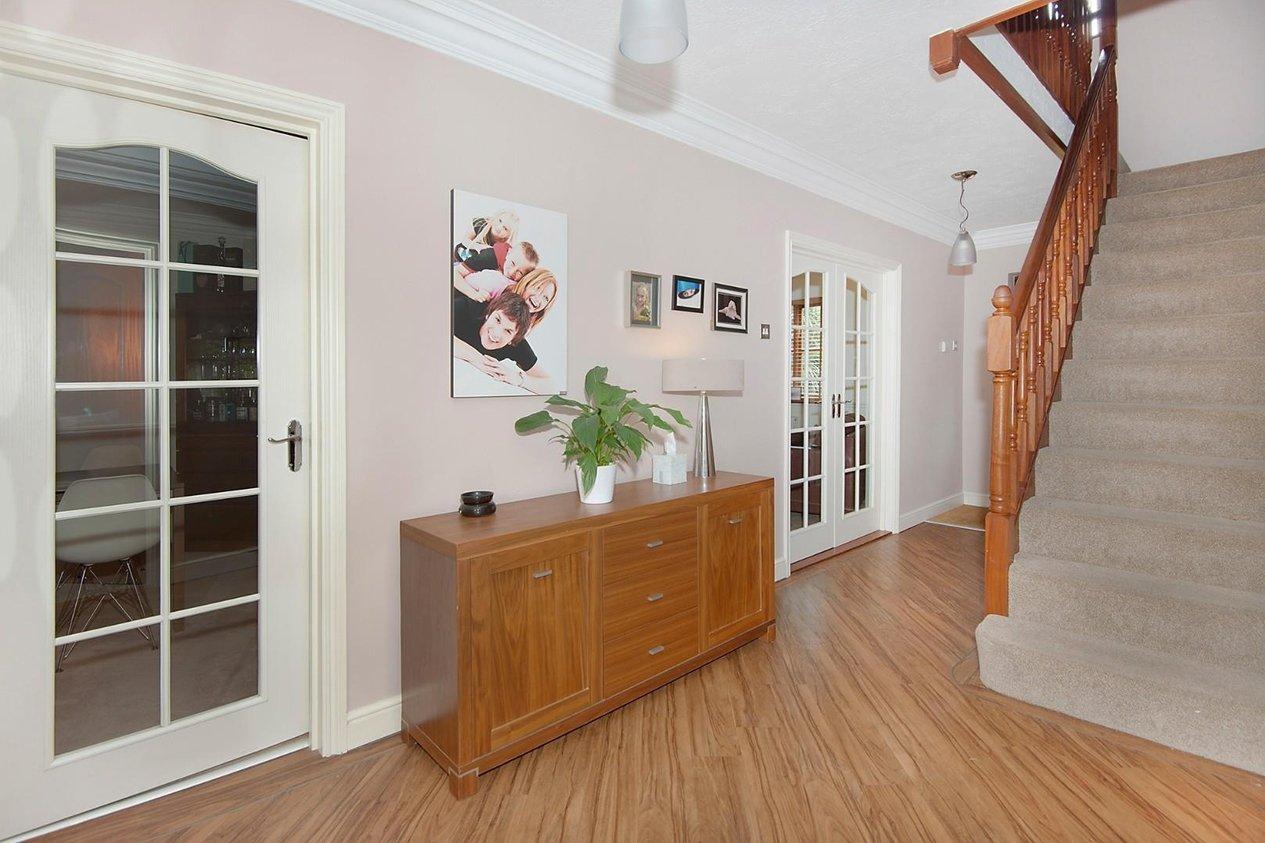 Properties For Sale in Elm Grove Manston