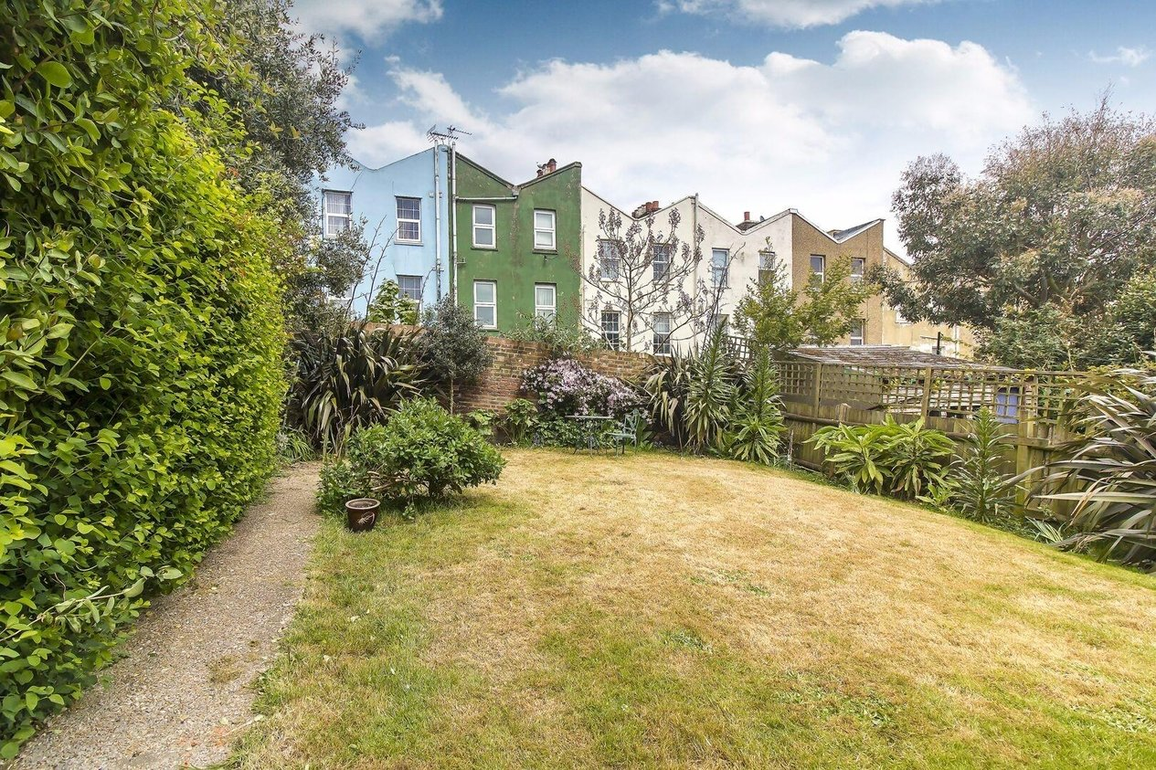 Properties Sold Subject To Contract in Elmstead Place