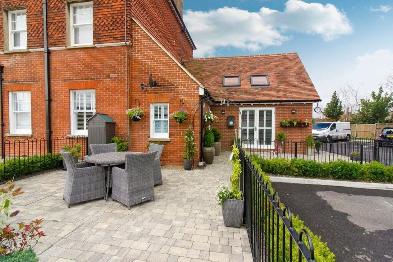 Properties For Sale in Eversley Park