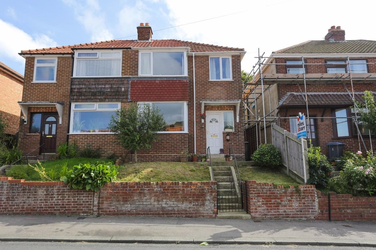 Properties Sold Subject To Contract in Farthingloe Road