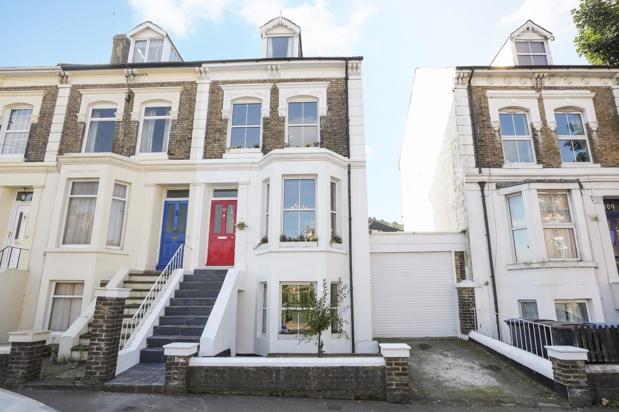 Properties Sold Subject To Contract in Folkestone Road
