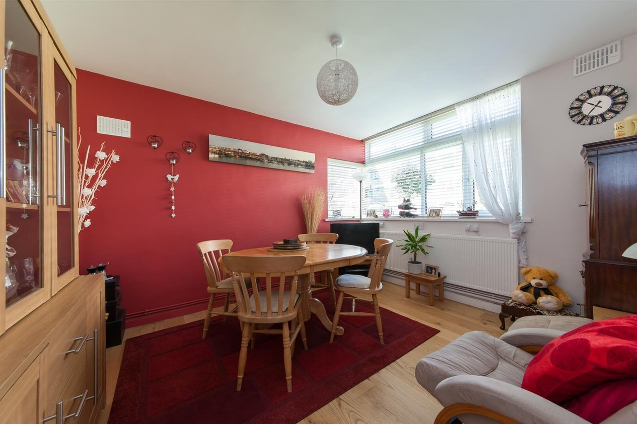 Properties Sold Subject To Contract in Gainsborough Road