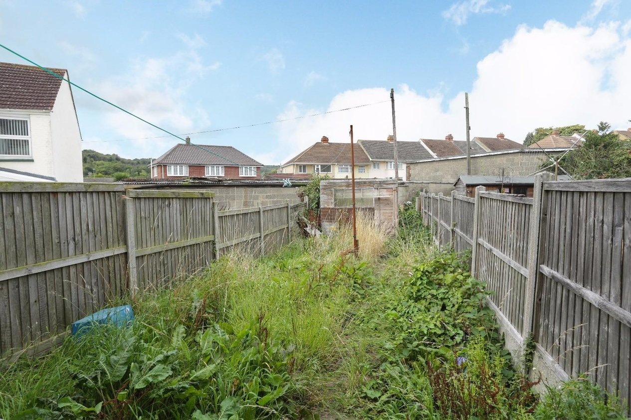 Properties For Sale in Glenfield Road