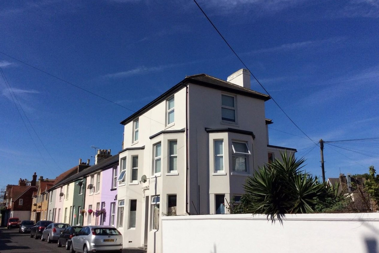 Properties Sold Subject To Contract in Grove Road Walmer